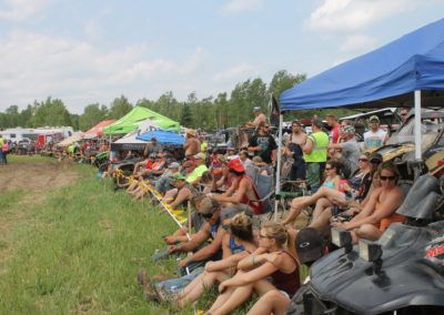 Mud Bog Crowd